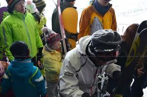 ขนาดตากับยายยังมาเล่นสกีเลย