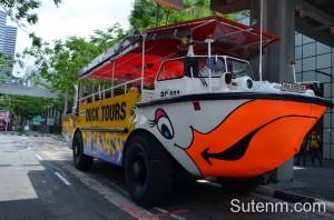 รถสะเทือนน้ำสะเทือนบก Singapore Ducktours